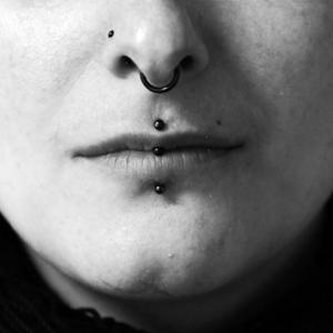 septum medusa eskimo piercing nostril