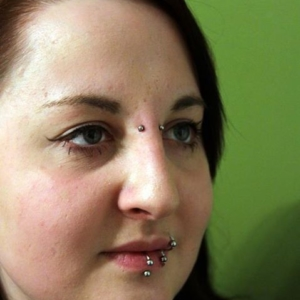 bridge piercing labret