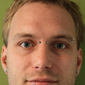 bridge piercing eyebrow augenbrauen piercing