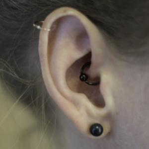Daith helix piercing lobe